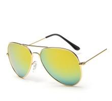 最新偏光サングラス男女おしゃれカラフルミラーレンズかっこいいドライブ紫外線カットファッションクラシック眼鏡
