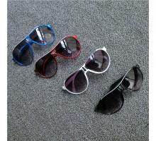 オシャレ男女キッズ子供向けサングラス紫外線カット高質UVカット眼鏡