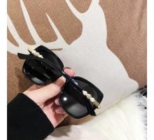 真珠キレイ クラシック偏光サングラス女子レディース高級ブランド韓国おしゃれ紫外線カットめがねサングラス パールUV400黒ぶち2020年ファッションセレブサングラス紺色