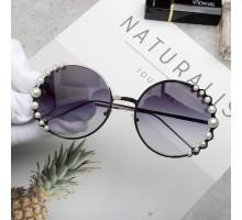 流行2019トレンドサングラス最新メタルフレーム真珠アクセサリー綺麗丸いメガネ金属ラウンド型サングラス芸能人モデル前衛的丸い眼鏡ボストンおしゃれスナップ写真偏光サングラス紫色