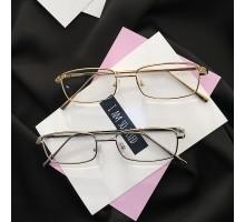 トレンド流行り2018マストバイ有名人メガネ四角スクエア型伊達メガネ金色銀色小さい眼鏡男女ペアおしゃれカップル向けめがねゴールドとシルバー度付きレンズ度なしフレームメタル