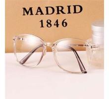 【今だけ58%OFF!】伊達メガネ男女カップル古典的超軽量クリアオシャレ学生にも対応大きいフレーム眼鏡ダテめがね
