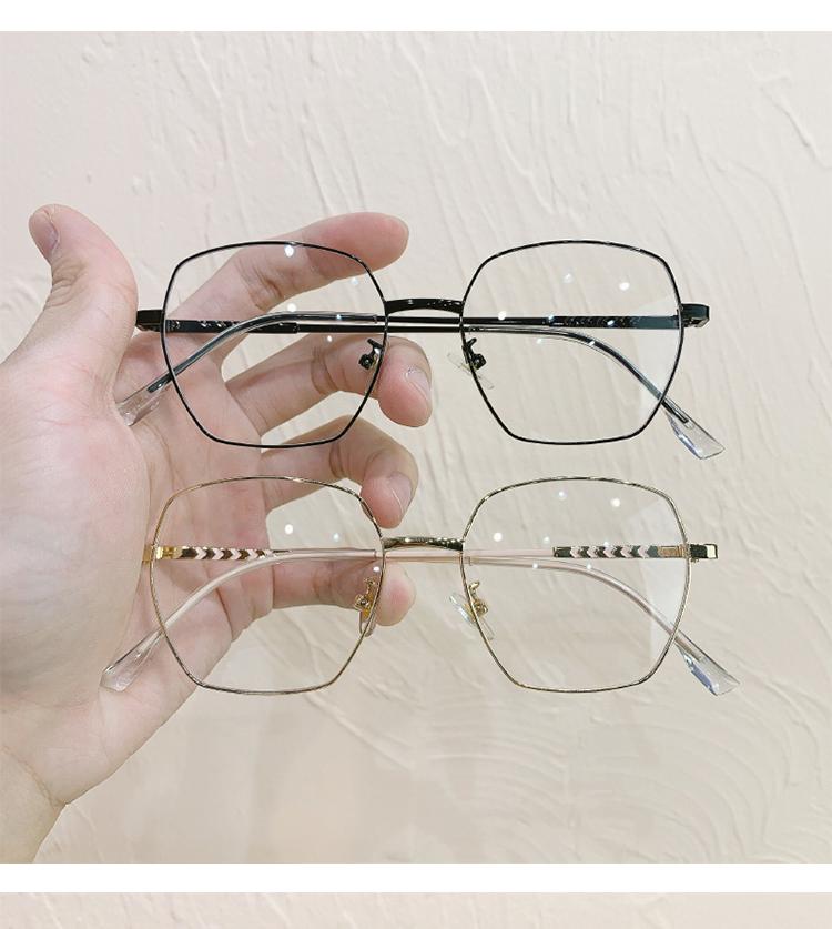 金縁鼻の痛くならないメガネ知的